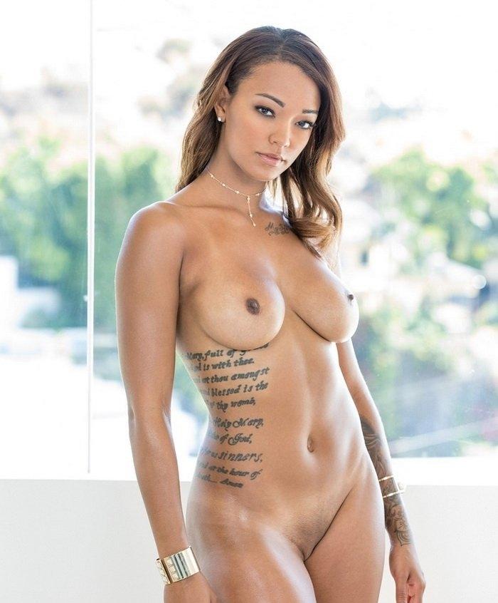 [Exotic4K.com] Harley Dean (Golden Hour / 2018-01-03) [2018 г., Ebony, Big Tits, Big Dick, Blowjob, Brunette, Gonzo, Hardcore, All Sex, 2160p]