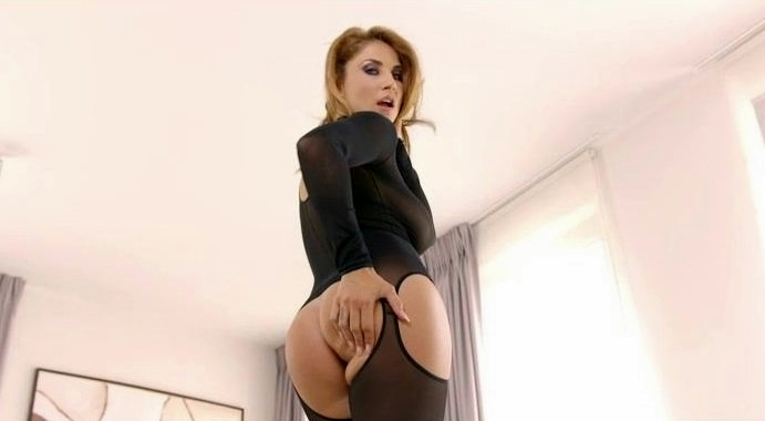 [Hustler.com] Roberta Gemma (MILF s Like It Black 2) [01/03/2018 г., Big Ass, Big Cock, Big Tits, Blowjob, Brunette, Cumshot, Doggystyle, Facial, Hardcore, Interracial, Latina, Lingerie, MILF, Natural, Oral, POV, 480p]