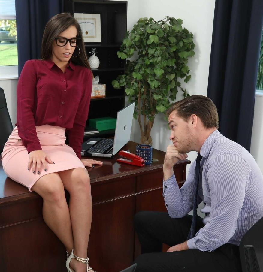 [NaughtyOffice.com / NaughtyAmerica.com] Kelsi Monroe (23621 / 22.12.2017) [2017 г., Big Ass, Blow Job, Brunette, Bubble Butt, Cum in Mouth, Curvy, Deepthroating, Glasses, High Heels, Natural Tits, Outie Pussy, Shaved, Straight, 360p]