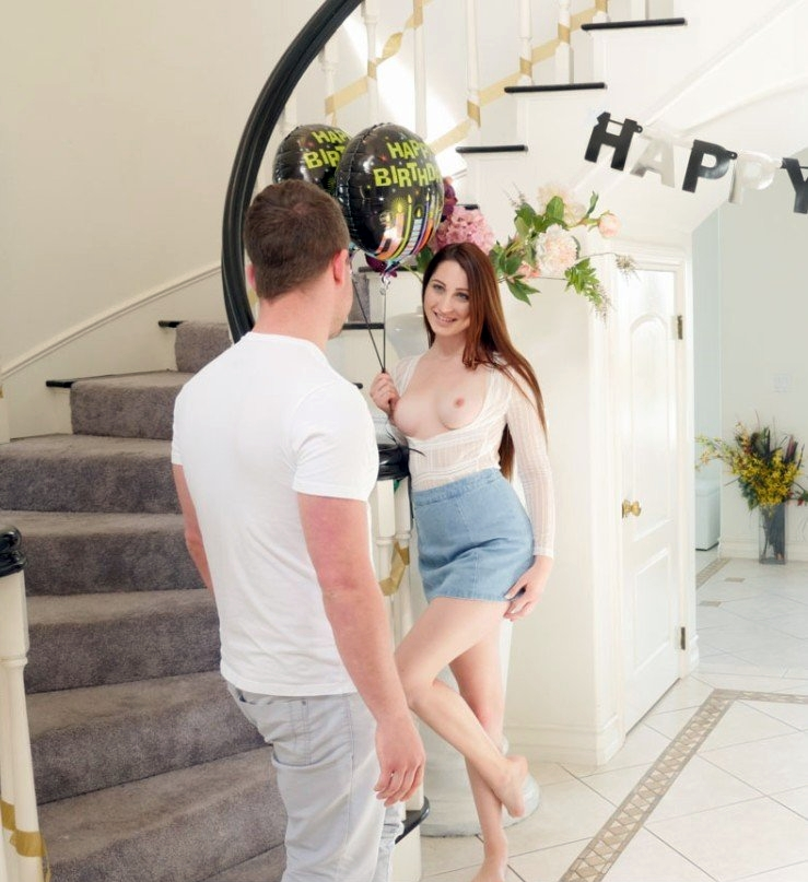 [Passion-hd.com] Nina Skye - Birthday Sexting [May 16, 2018 г., Gonzo, All Sex, 720p]