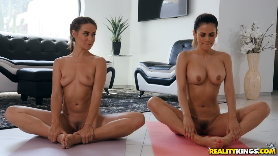 [WeLiveTogether.com / RealityKings.com] Cassidy Klein, Vanessa Veracruz - Pussy Meditation (29.05.2018) [Lesbian, Oral, 1080p]