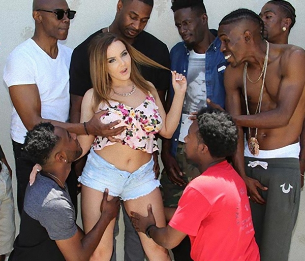 [InterracialBlowbang.com / DogFartNetwork.com] Natasha Nice - BlowBang (31.05.2018) [Big Tits, All Sex, Blowjobs, IR, Big Black Cock, BlowBang, 432p]