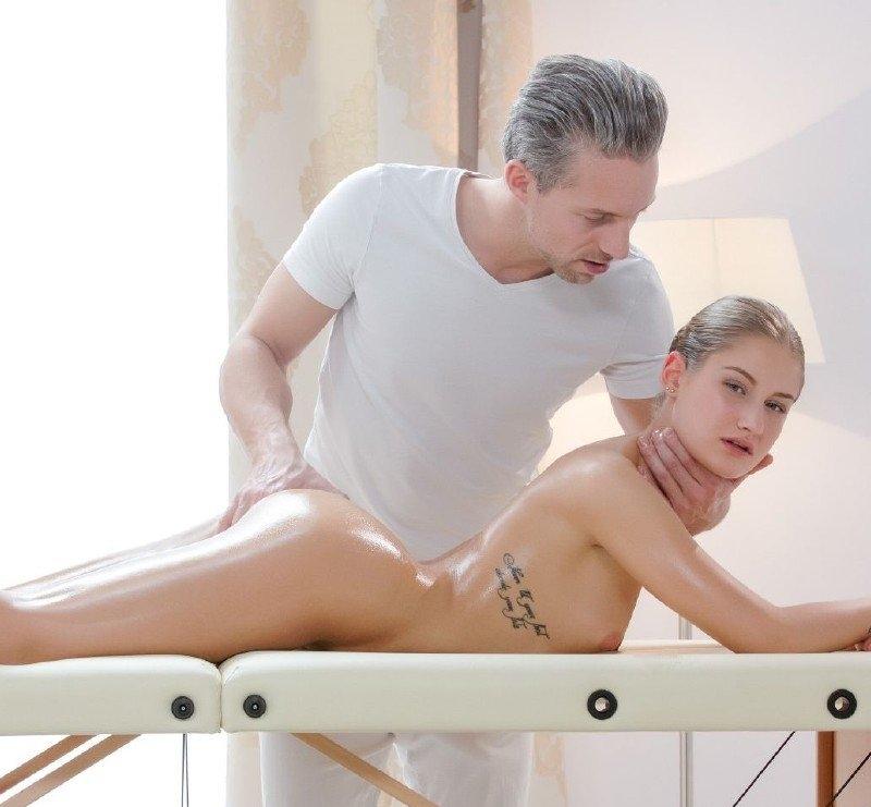 [TheWhiteBoxxx.com / PorndoePremium.com] Tiffany Tatum (OIL MASSAGE AND CREAMPIE FOR TIFFANY TATUM) [02-06-2018 г., Massage, All Sex, Blowjob, 720p]