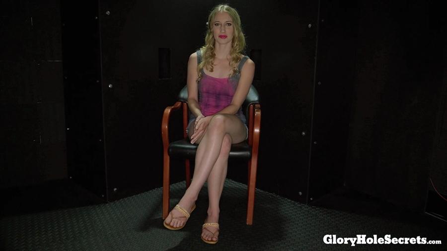 [GloryHoleSecrets.com] Riley Reyes (First visit / 2018.06.01) [2018 г., Glory Hole, Blowjob, Cumshots, Interracial, Swallow, 1080p]