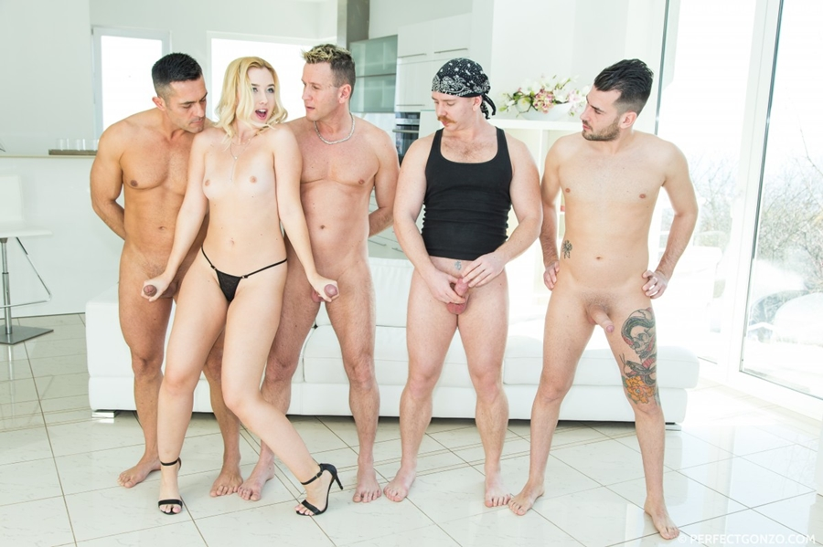 [CumForCover.com / PerfectGonzo.com] Samantha Rone (13.06.2018) [Gangbang, Blowjob - Multiple, Deep Throat, Throat Fucking, Doggystyle Regular, Facial, Facial - Bukkake] 1080p