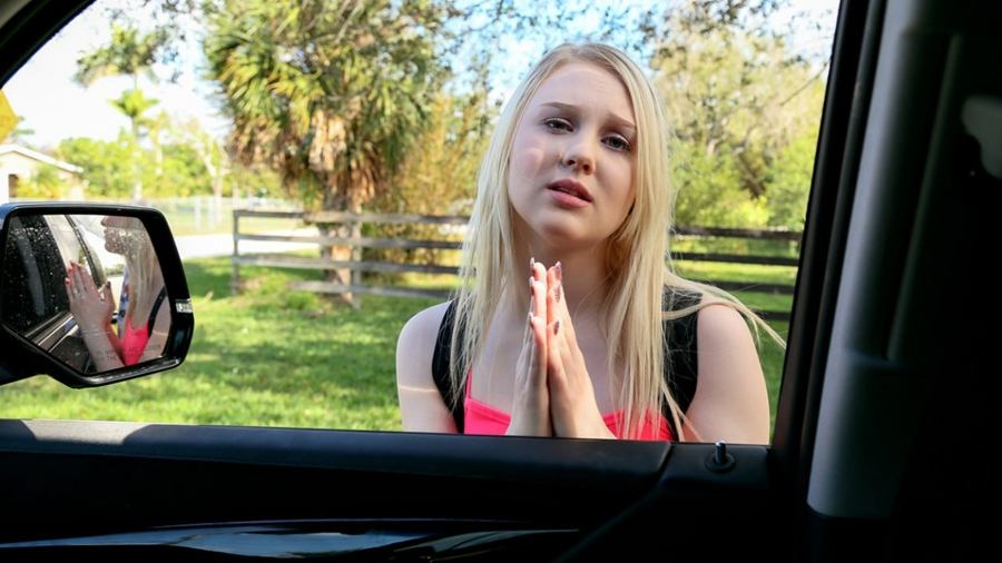 [StrandedTeens.com / Mofos.com] Lily Rader - Side Of The Road Slut (16.06.2018) [Couples Fantasies, Outdoors, Car, Parking Lot, Deep Throat, All Sex, Missionary] 480p