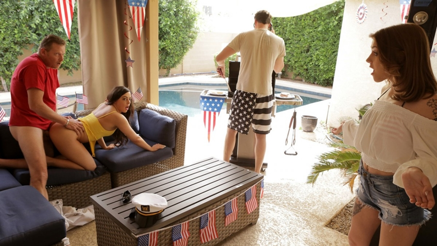 [MyFamilyPies.com / Nubiles-Porn.com] Rosalyn Sphinx, Whitney Wright - Fourth Of July Family Fuck (26.06.2018) [All Sex, Blowjob, Treesome, 540p]